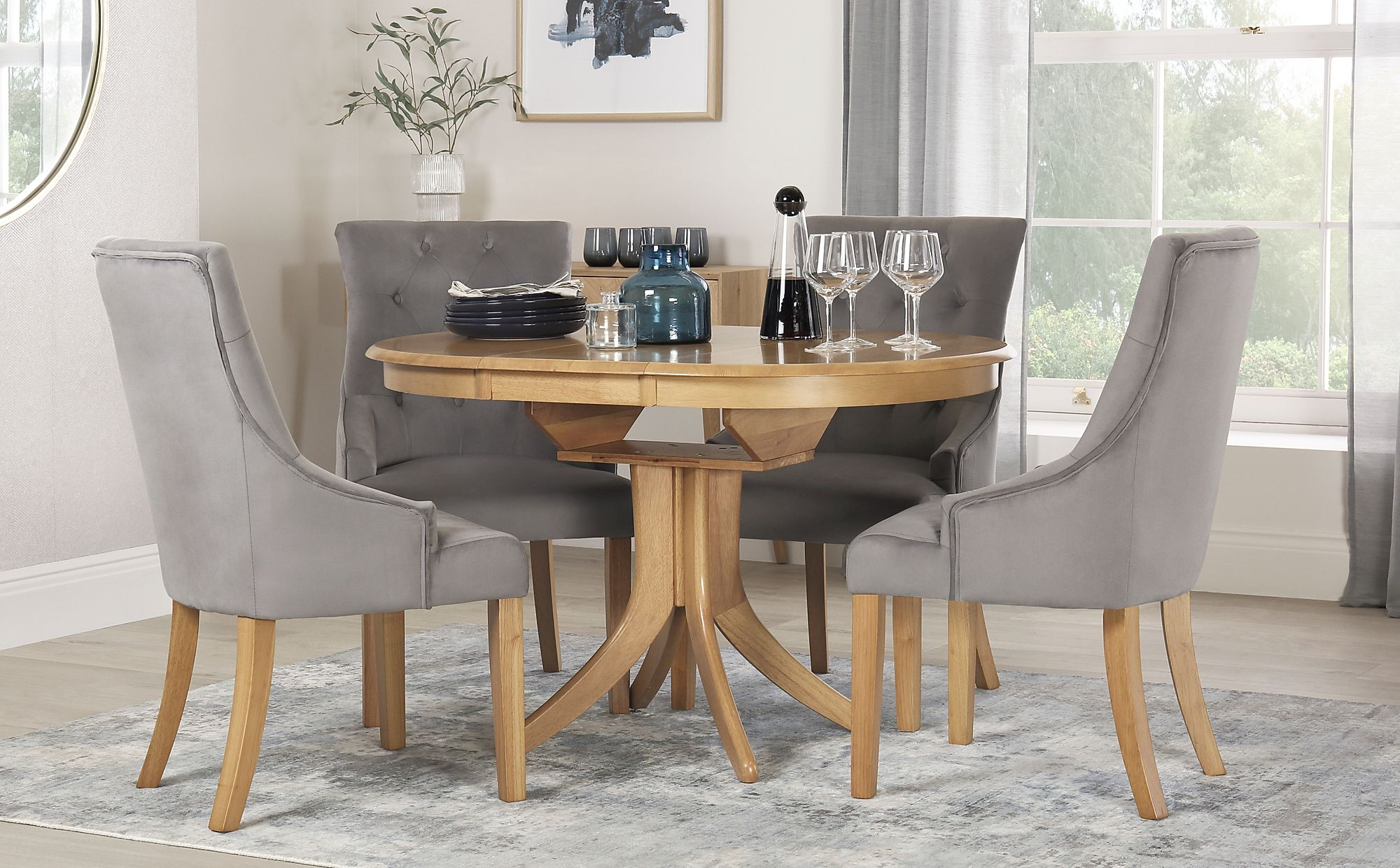 Hudson Round Oak Extending Dining Table With 4 Duke Grey Velvet