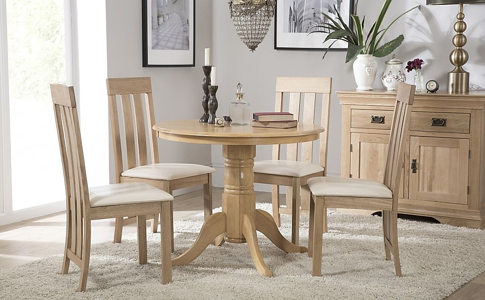 Kingston Round Oak Dining Table with 4 Chester Chairs (Ivory Seat Pad)