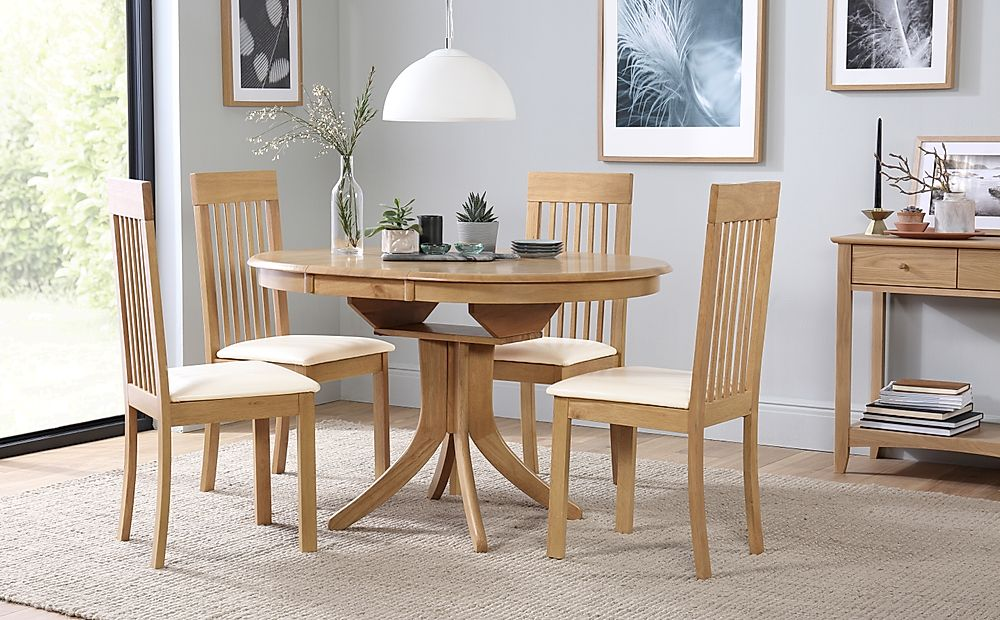Hudson Round Oak Extending Dining Table with 6 Oxford Chairs (Ivory Leather Seat Pads)