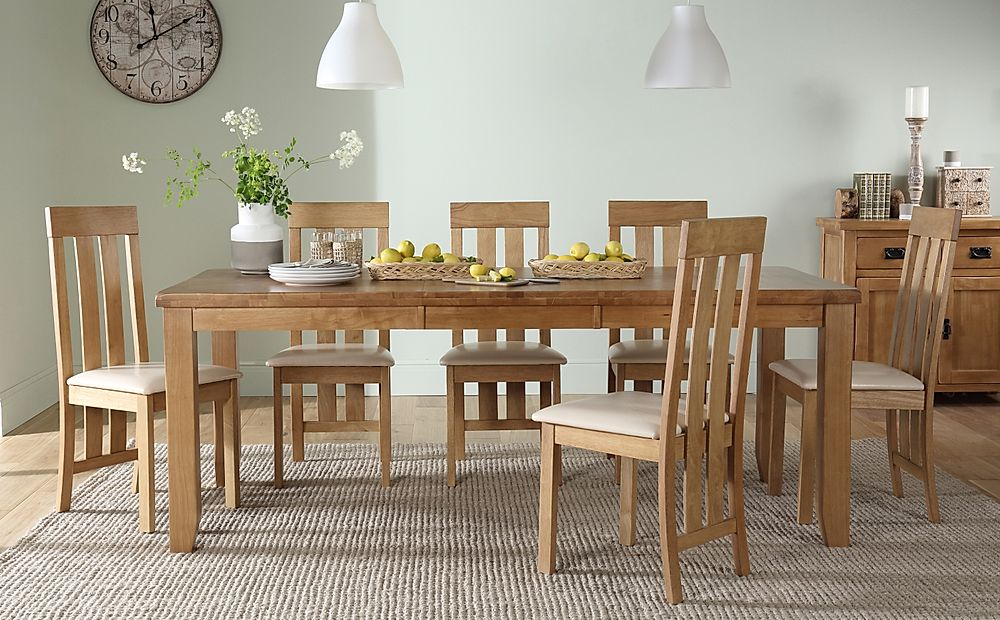 Highbury Oak Extending Dining Table with 6 Chester Chairs (Ivory Seat Pad)