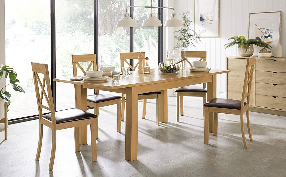 Hamilton 150-200cm Oak Extending Dining Table with 4 Kendal Chairs (Brown Leather Seat Pads)