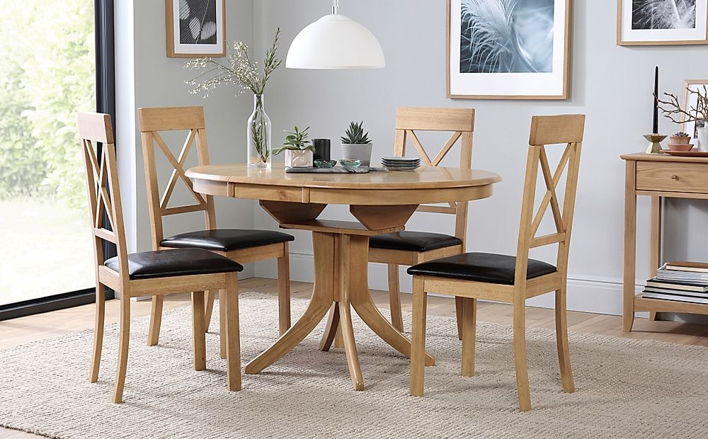 Hudson Round Oak Extending Dining Table with 4 Kendal Chairs (Brown Leather Seat Pads)