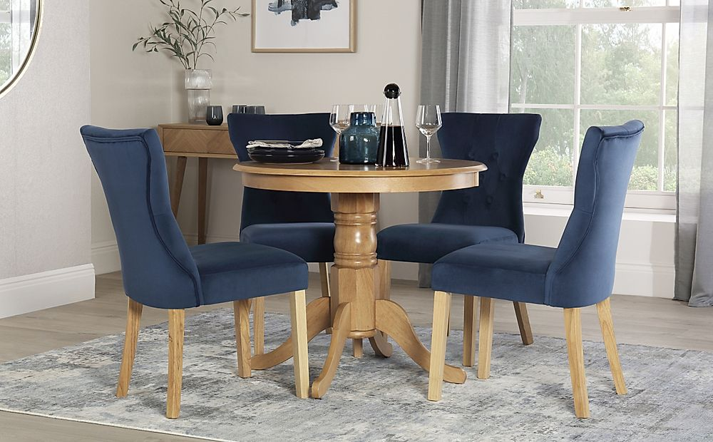 Kingston Round Oak Dining Table with 4 Bewley Blue Velvet Chairs