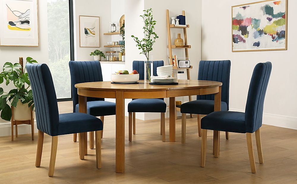 Marlborough Round Oak Extending Dining Table with 4 Salisbury Blue Velvet Chairs