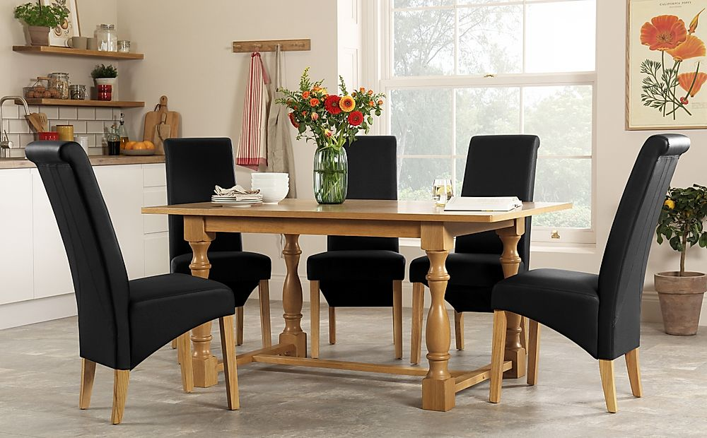 Devonshire Oak Dining Table with 4 Richmond Black Chairs