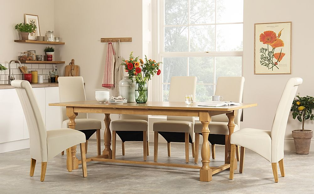 Devonshire Oak Extending Dining Table with 8 Richmond Cream Leather Chairs