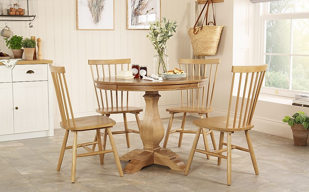 Cavendish Round Oak Dining Table with 4 Pendle Chairs