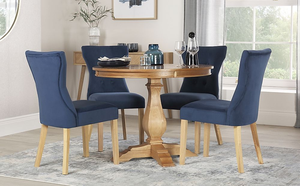 Cavendish Round Oak Dining Table with 4 Bewley Blue Velvet Chairs