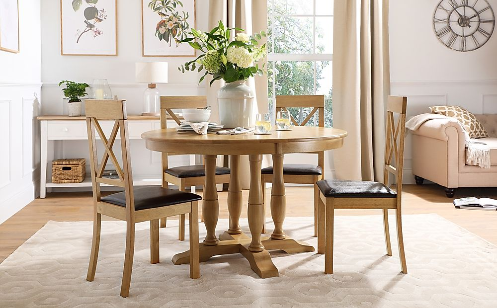 Highgrove Round Oak Wood Dining Table with 4 Kendal Chairs (Brown Leather Seat Pads)