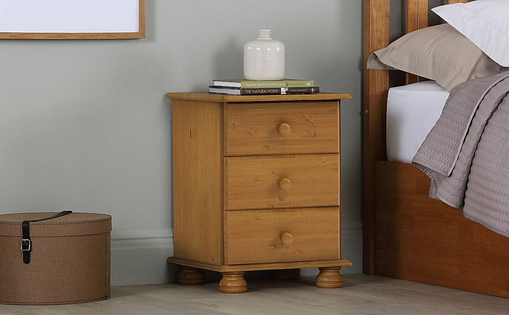 Steens Richmond Pine 3 Drawer Bedside Table