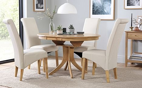 Hudson Round Oak Extending Dining Table with 4 Richmond Cream Leather Chairs