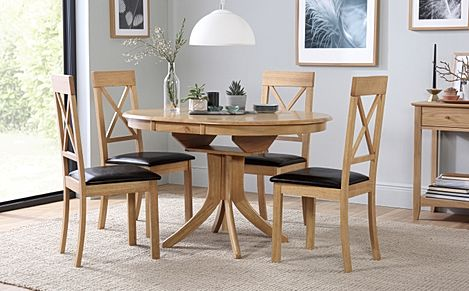 Hudson Round Oak Extending Dining Table with 4 Kendal Chairs