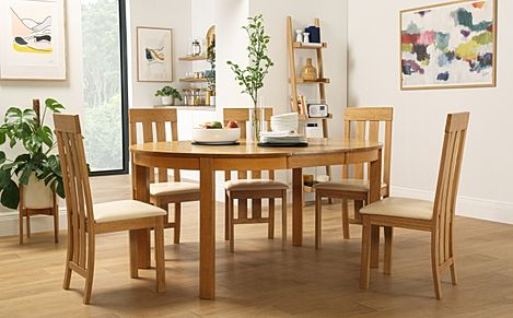 Marlborough Round Oak Extending Dining Table with 4 Chester Chairs (Ivory Seat Pad)