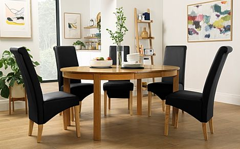 Marlborough Round Oak Extending Dining Table with 4 Richmond Black Chairs