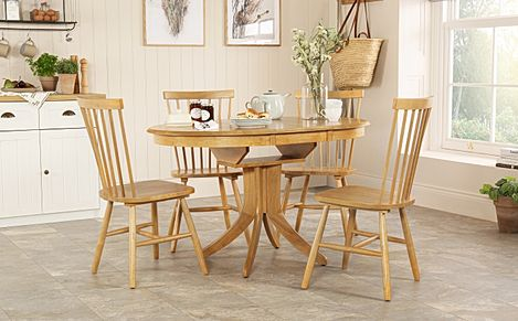 Hudson Round Oak Extending Dining Table with 4 Pendle Chairs