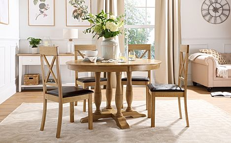 Highgrove Round Oak Wood Dining Table with 4 Kendal Chairs (Brown Leather Seat Pad)