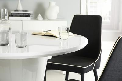 Paris white high gloss table with 4 Modena fabric chairs