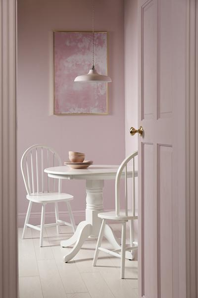 Kingston white Windsor white chairs