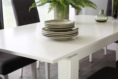 Aspen table regent chairs lifestyle