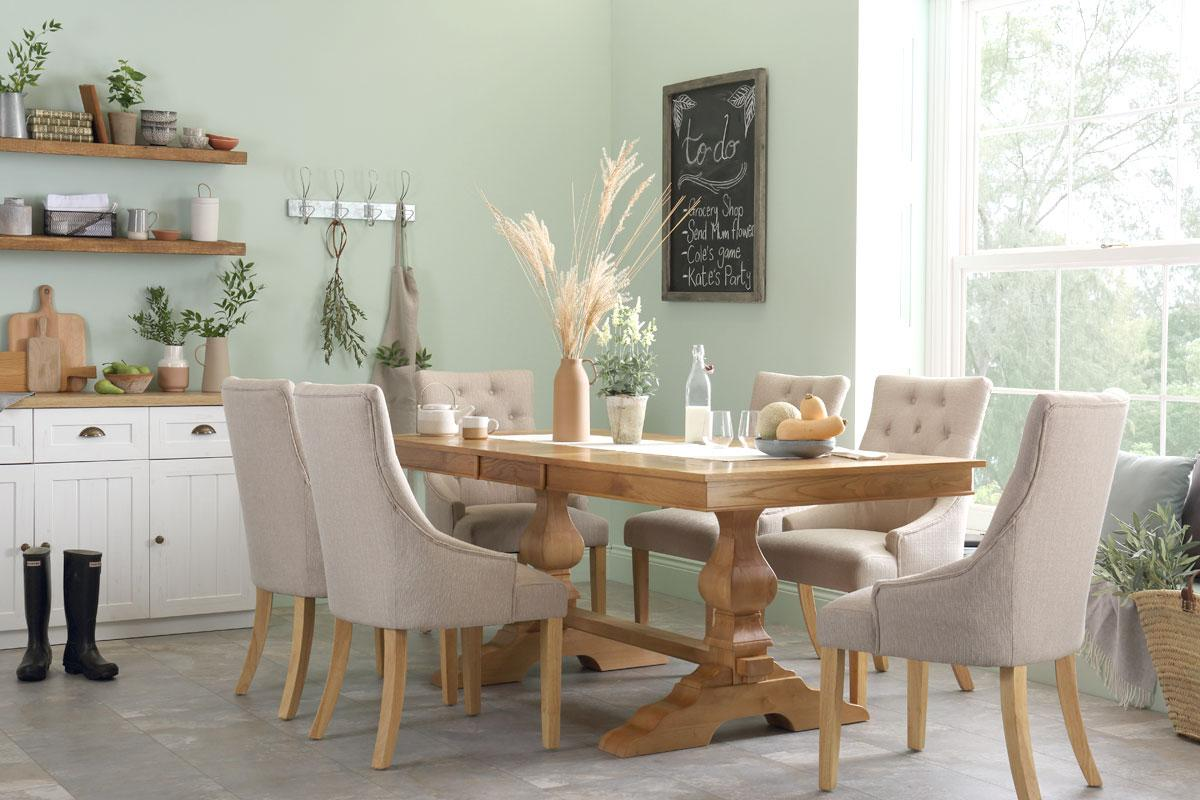 Cavendish oak table Duke oatmeal chair