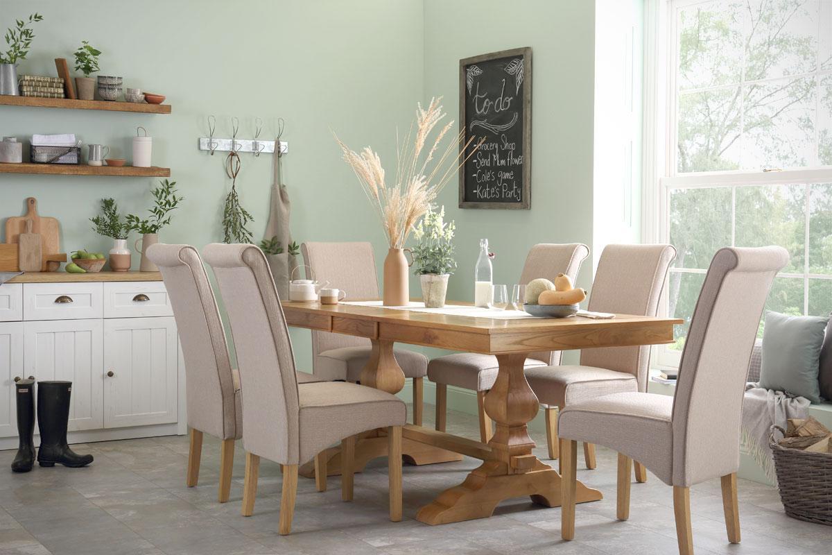Cavendish oak table Stamford oatmeal chair