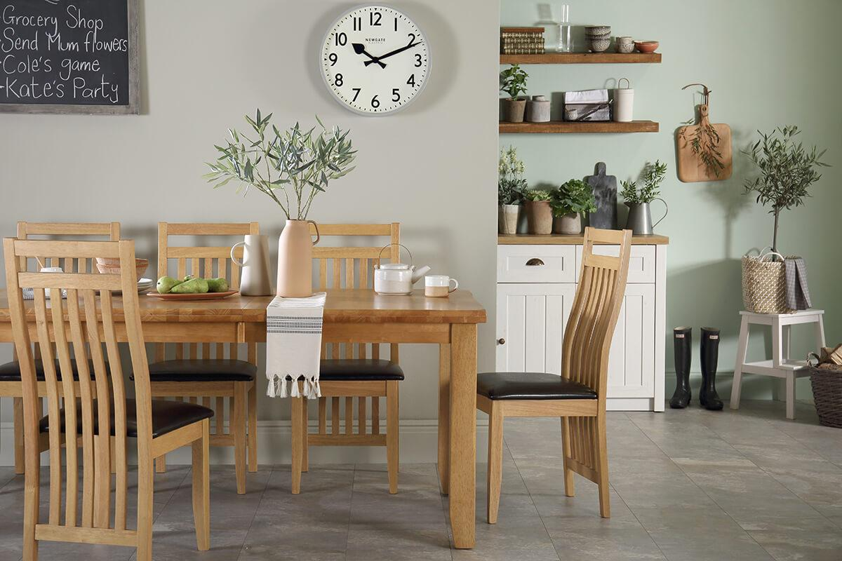 Highbury oak table bali chair