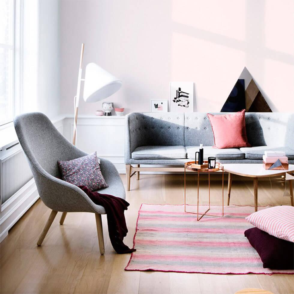 Grey scandi living room with pastel accessories