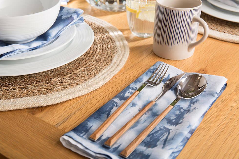 Eco-friendly DIY Shibori tie-dyed napkins by Furniture Choice