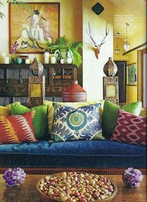 Multicoloured decor and elements.