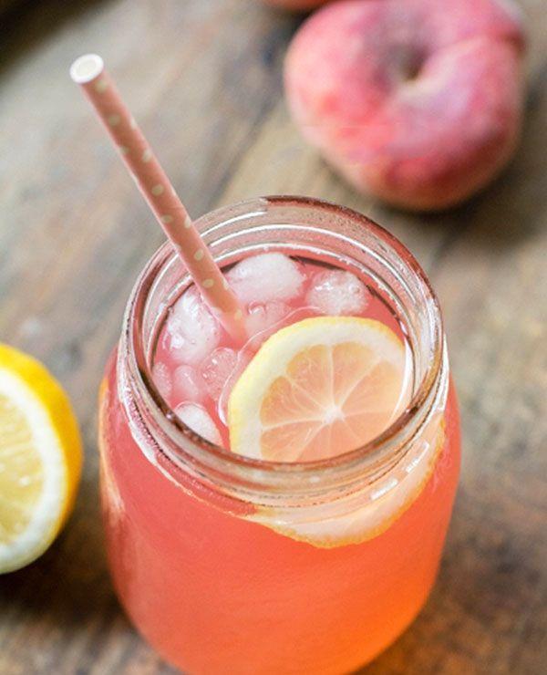 Peach lemonade in Mason jar