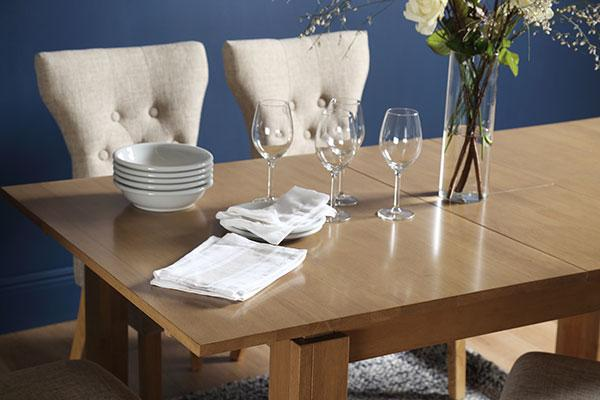 Bali extending table set