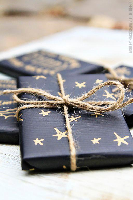 Star-patterned wrapping paper with twine