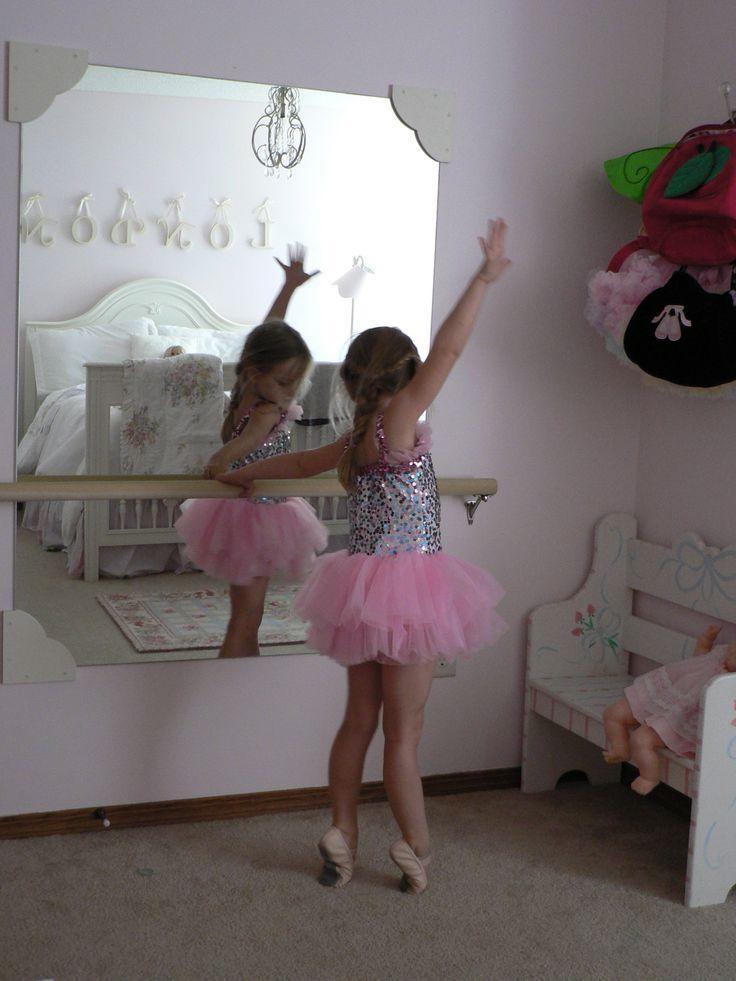 Little ballerina with mirror