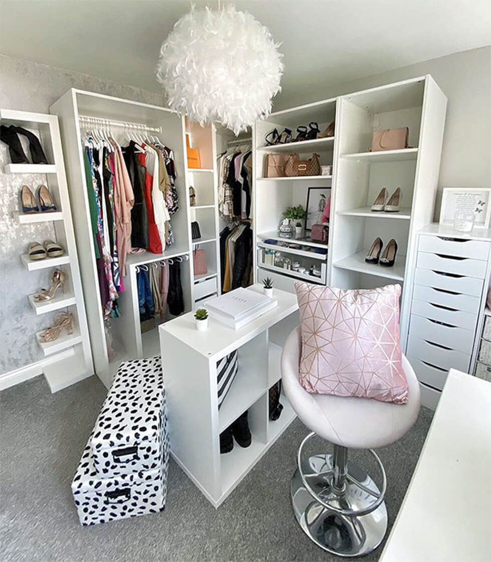modern chic dressing room