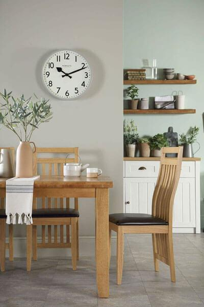 Highbury Oak Extending Dining Table - with 6 Bali Chairs (Brown Seat Pad)