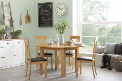 Harrington Round Extending Dining Table - with 4 Kendal Chairs (Brown Seat Pad)