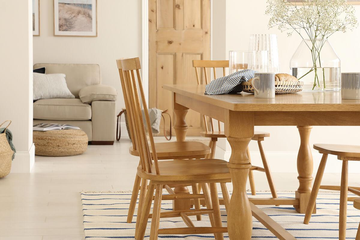 Devonshire Oak Dining Table - with 4 Pendle Chairs