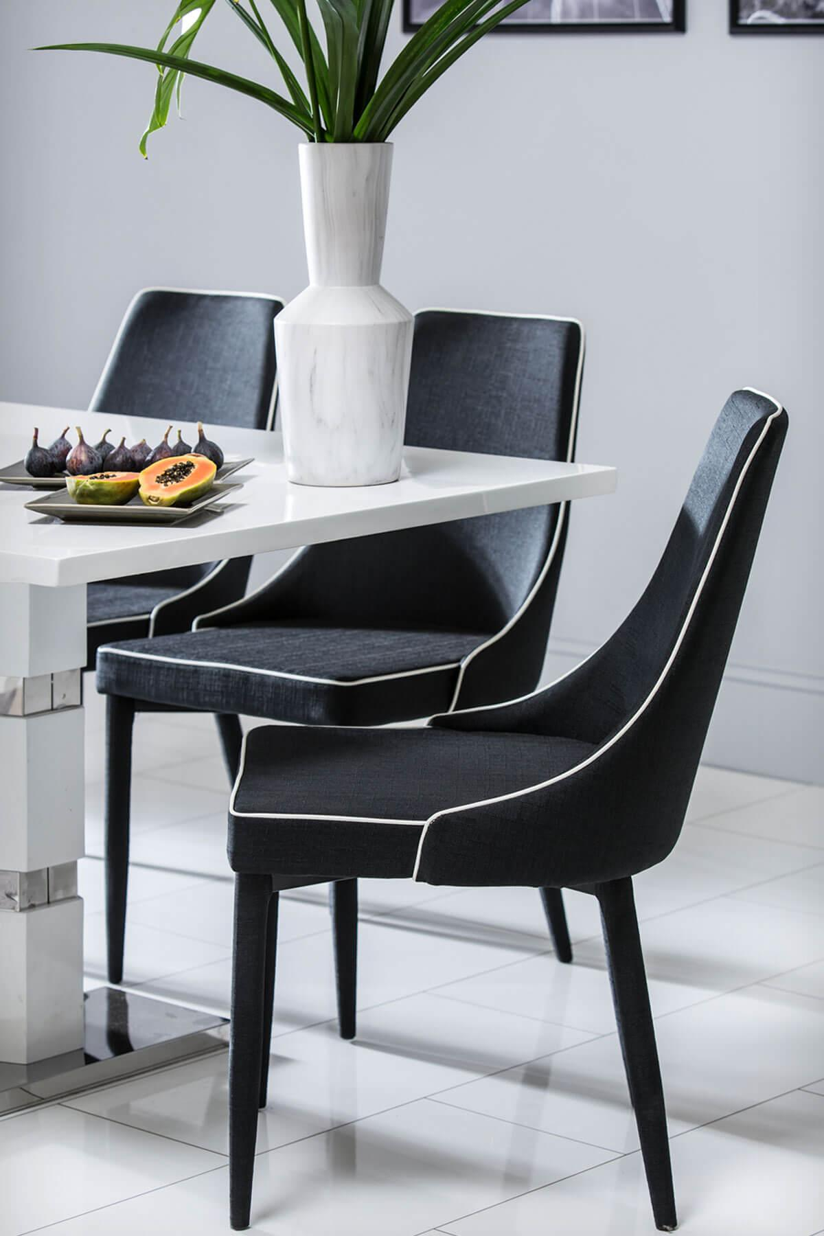 Komoro White High Gloss Dining Table - with 4 Modena Black Chairs