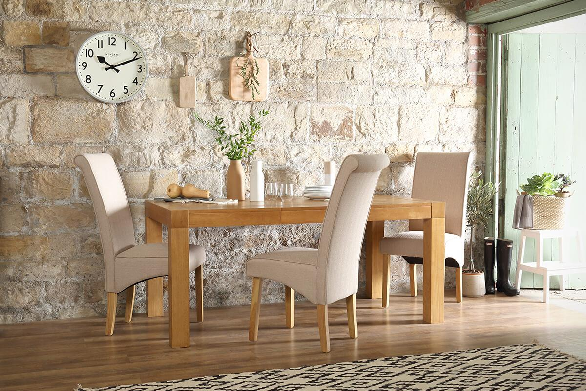 Cambridge 125-170cm Oak Extending Dining Table - with 6 Stamford Oatmeal Chairs