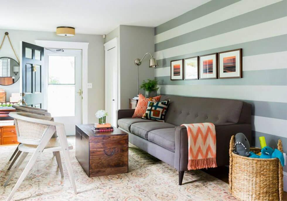 Living room with stripe feature wall
