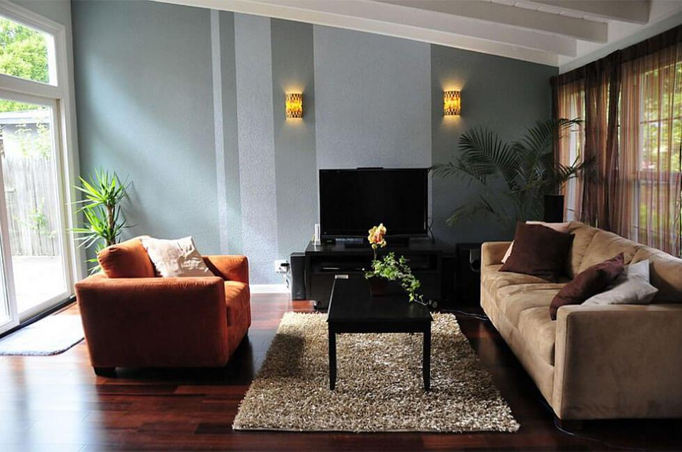 Living room with vertical stripe feature wall