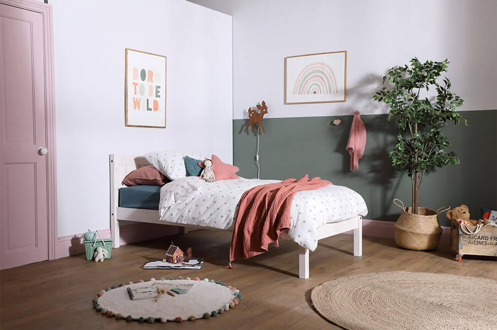 Green and pink childrens bedroom