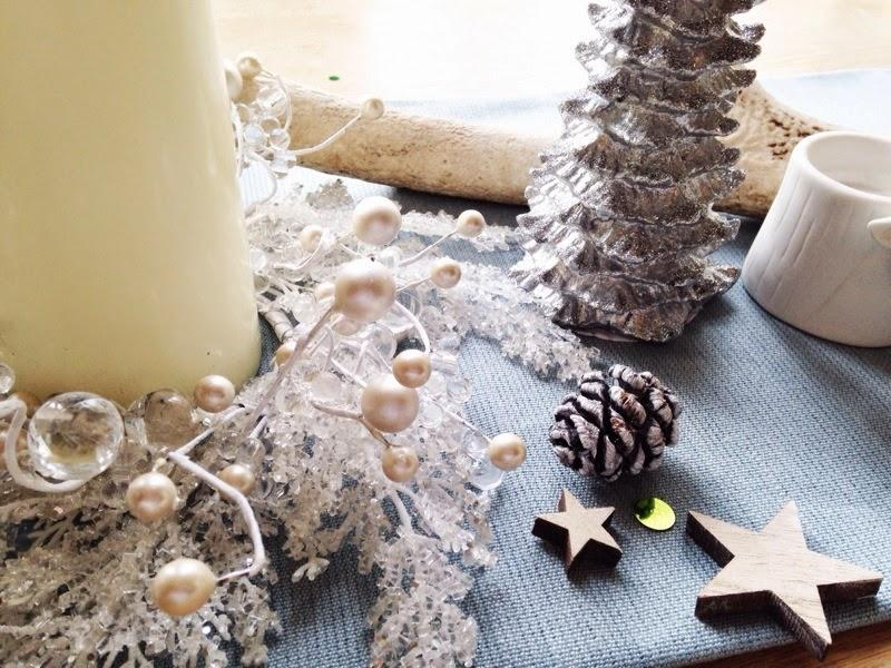 Pinecone, Christmas candle, wintry Christmas decor.
