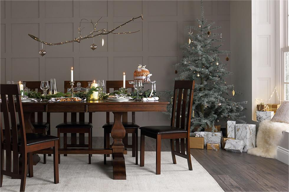 Cosy Christmas dining room setting