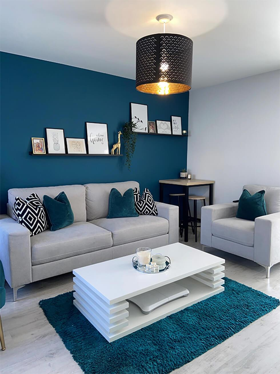 Homes We Love Bold Colour Contrasts, Teal Living Room