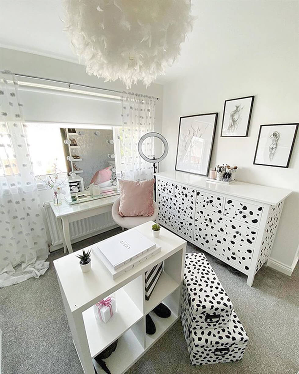modern chic dressing room with Dalmation prints