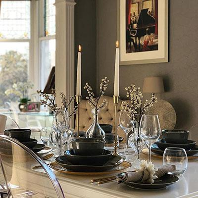 Homes We Love: An elegant dining room in a Victorian home