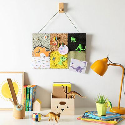 An eco-friendly DIY memo board to make with the kids