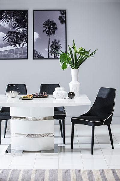 Komoro White High Gloss Dining Table with 4 Modena Black Chairs